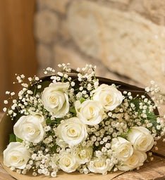 White Roses, 12 Stems