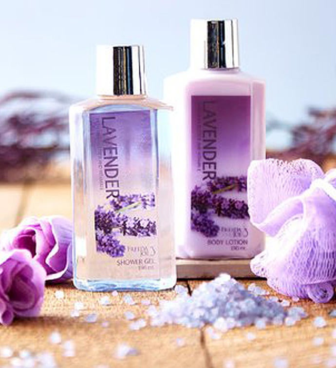 Lavender Spa Gift Set in White Wood Curio